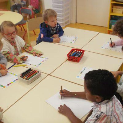 Enfants En Salle De Classe école Maternelle Privée De Vitré